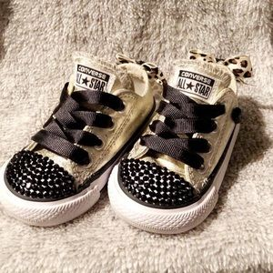 Customized Toddler Converse sz 3 with leopard bows